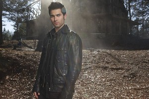 Tyler Hoechlin as Derek Hale in Teen lupo - Season 1 Portrait