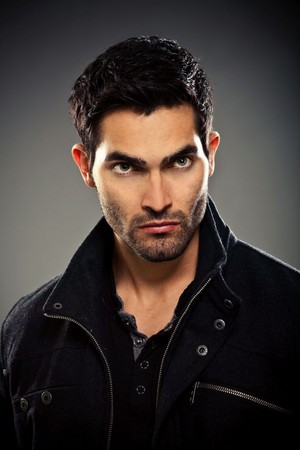 Tyler Hoechlin as Derek Hale in Teen भेड़िया - Season 2 Portrait