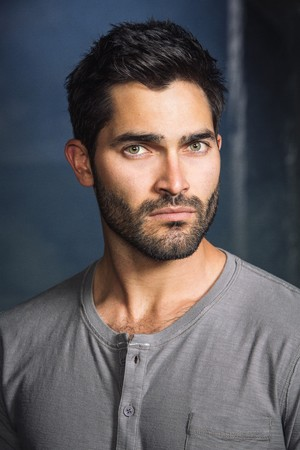 Tyler Hoechlin as Derek Hale in Teen lupo - Season 4 Portrait