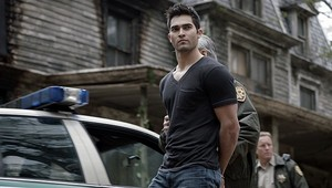 Tyler Hoechlin as Derek Hale in Teen lupo - secondo Chance at First Line (1x02)
