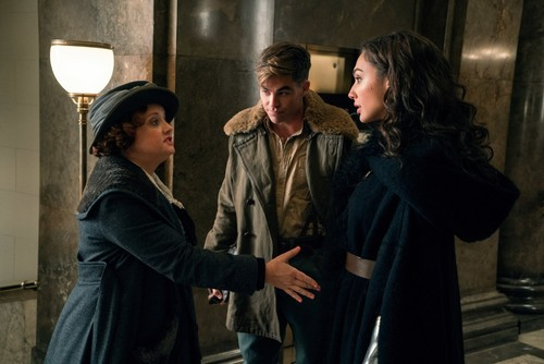 Wonder Woman (2017) fond d'écran called Wonder Woman - Etta, Steve and Diana