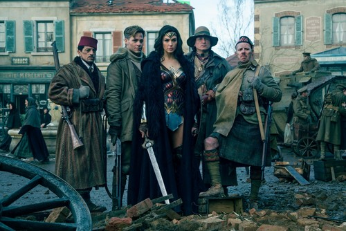 Wonder Woman (2017) वॉलपेपर called Wonder Woman - Sameer, Steve, Diana, Chief and Charlie