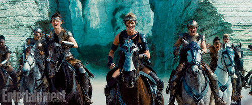 Wonder Woman (2017) fond d'écran entitled Wonder Woman still - General Antiope