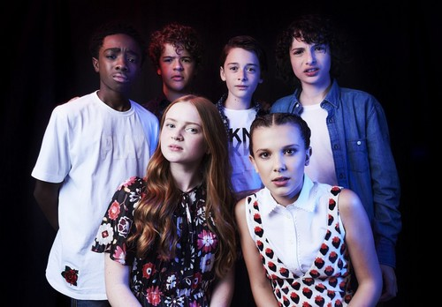 Stranger Things achtergrond called 'Stranger Things' Cast ~ TVLine SDCC Portrait (HQ)