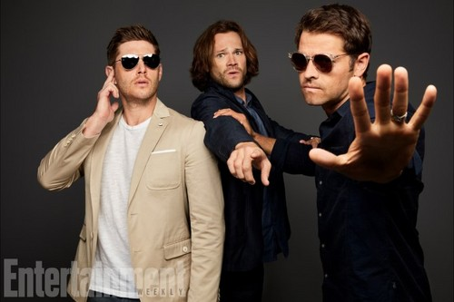 Supernatural wolpeyper entitled 'Supernatural' Cast ~ EW SDCC Portrait