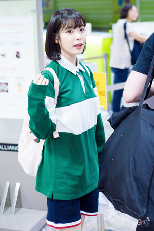 170520 아이유 at Gimpo Airport after Akaraka Festival