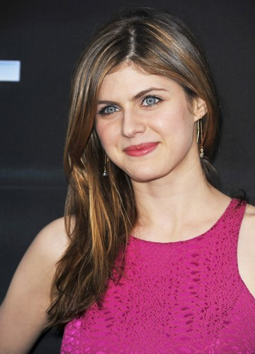 Alexandra Daddario Wallpaper Entitled