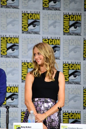 Amy Acker at the Gifted Comic Con 2017 Panel