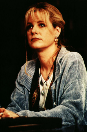 Bonnie Hunt as Sarah Whittle