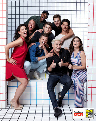 Shelley Hennig fondo de pantalla entitled Cast Teen lobo SDCC 2017