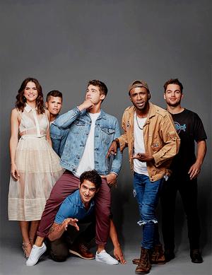Cast Teen নেকড়ে