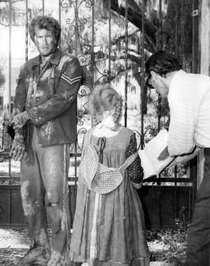 Clint Eastwood and Pamelyn Ferdin (The Begulied)