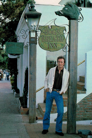 Clint Eastwood in front of the Hog's Breath Inn