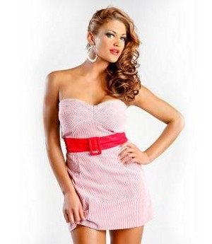 Eve Torres in Off Shoulder розовый Dres 1