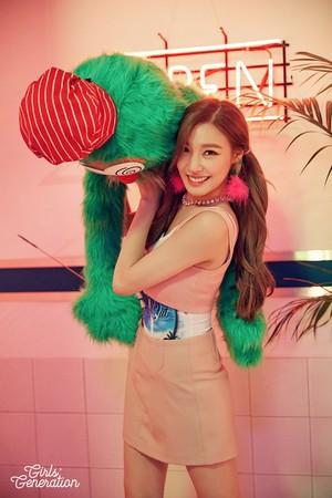 Girls' Generation 'Holiday Night' Teaser Image - TIFFANY