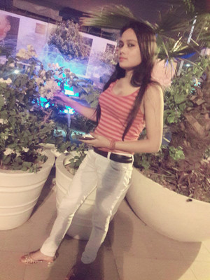 Half-Time Call Girls Service in Paharganj {sonu:-9990217528} , Escorts Girls in Pahrganj De