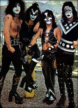 키스 ~Los Angeles, California...January 16, 1975 (Playboy building)