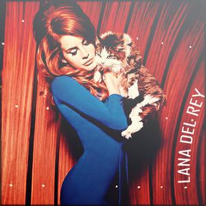 Lana Del Rey with a kitten