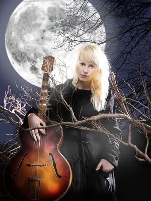 Laura Marling door mark eilbeck