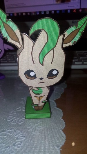 Leafeon's papercraft