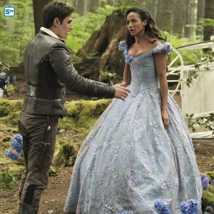 Once Upon a Time - Season 7 - First Look at Henry and Cinderella