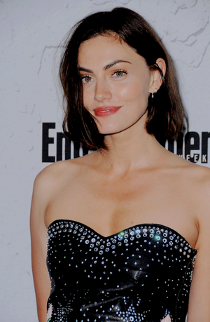 Phoebe Tonkin attends Entertainment Weekly's annual Comic-Con party