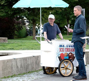 Prison Break Season 5 Finale > Michael buys ice cream: We would প্রণয় to see this scene.