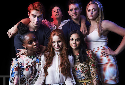 Riverdale (2017 TV series) پیپر وال called Riverdale Comic Con Cast تصاویر