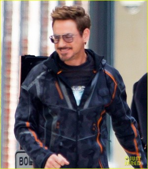 Robert Downey Jr. Films 'Avengers: Infinity War' with Benedict Cumberbatch - New Set Photos!