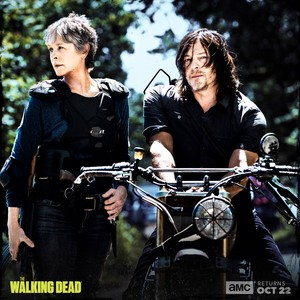 Season 8 First Look ~ Carol & Daryl
