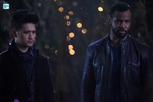 Shadowhunters - Season 2 - 2x18 - Promotional Stills