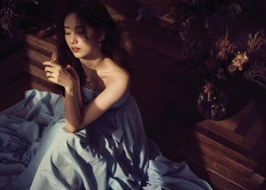Suzy shares her dreamy-like visuals with 'Didier Dubot'