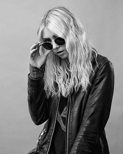 The Pretty Reckless wolpeyper called Taylor Momsen