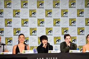 The 100 Cast at San Diego