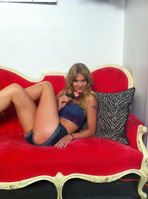 The Sons of Anarchy Porn Couch: Winter Ave Zoli