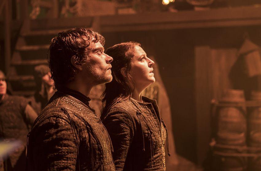 Theon and Yara Greyjoy in 'Stormborn'