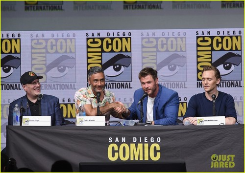 Thor: Ragnarok 바탕화면 called Thor Ragnarok Comic Con 2017 panel