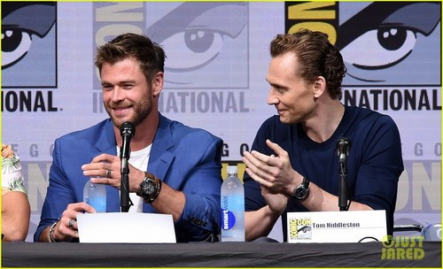 Thor: Ragnarok پیپر وال titled Thor Ragnarok Comic Con 2017 panel