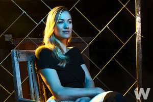 Yvonne Strahovski ~ The envolver, abrigo Photoshoot