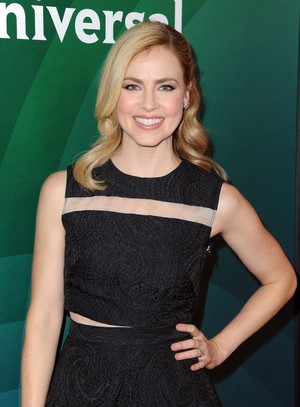 amanda schull at nbc universal tca press tour in pasadena 1