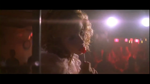 christina applegate Kiss of feu 5