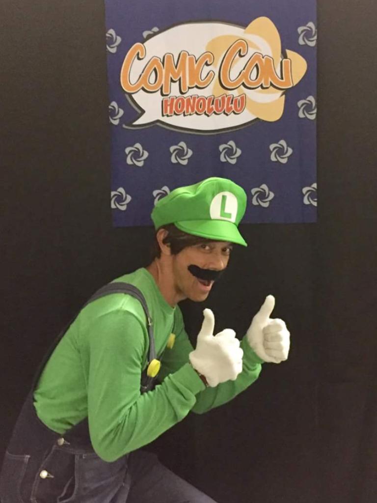 """Eh, itsa me... At Comic Con Honolulu! WOO-HOO!"""
