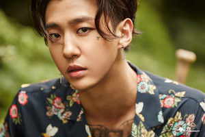 """[NAVER STARCAST] B.A.P's comeback! Behind the scenes to """"HONEYMOON"""" M/V"""