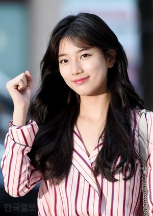 170730 Suzy @ SBS Drama 'While あなた Were Sleeping' Wrap-up Party