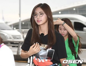 170817 TWICE @ Incheon Airport off to Da Nang, Vietnam for JTBC 'Carefree Trevelers' filming