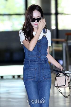170821 Jessica @ Gimpo Airport off to Osaka, Japon