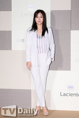 170906 Soyou @ Fashion Brand 'Laciento' Event