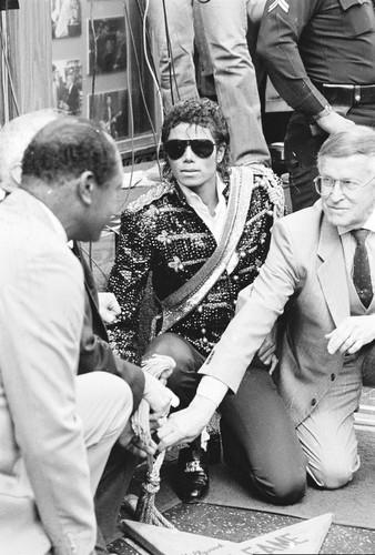 Michael Jackson Hintergrund entitled 1984 Walk Of Fame Induction Ceremony
