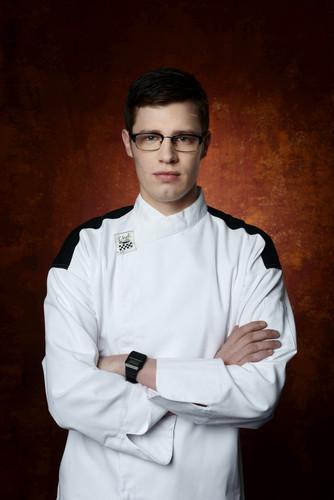 Hell's keuken-, keuken achtergrond titled Aaron Smock (Season Sixteen)