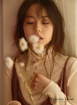 Ahn Sohee for Clothing Brand 'Thursday Island' 2017 F/W Collection
